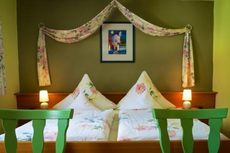 Gemütliches und grosses Schlafzimmer