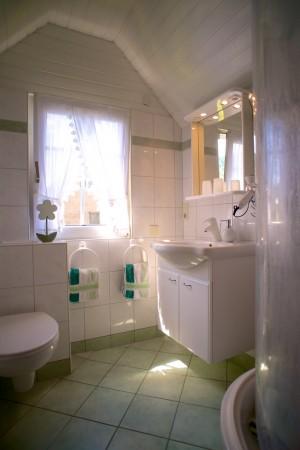 Helles und sauberes Bad